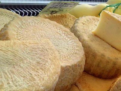 Palcoda: eccellenti prodotti caseari di latte di capra e altre specialità
